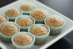 EAT DRINK PRETTY: Healthy toddler oatmeal banana muffins