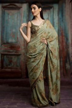 Looking for stylish designer sarees? Check out this vast collection of the latest designer saree trends. From Abu Jani to Anita Dongre and Manish Malhotra to Sabyasachi, this page has all kinds of designer saree images for weddings & parties. Trendy Sarees, Stylish Sarees, Fancy Sarees, Sabyasachi Sarees, Anarkali, Lehenga, Georgette Sarees, Indian Sarees, Sari Design