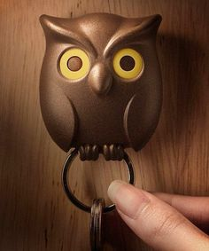 Guards your keys without batting an eye. - https://noveltystreet.com/item/23034/