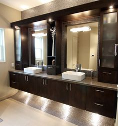 master bathroom remodel....matches my kitchen decor. I think we will do something like this for the next house. Land is picked Xx