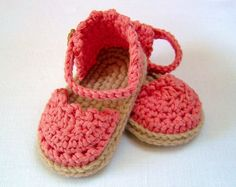 CROCHET PATTERN Baby Espadrille Sandals - lovely for summer - cool, pretty and oh so cute! Make them in softest cotton for comfort and style - Crochet Baby Sandals, Crochet Shoes, Crochet Baby Booties, Easy Crochet Patterns, Baby Patterns, Knitting Patterns, Tutorial Crochet, Crochet Stitches, Stitch Patterns