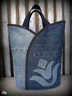 "Jeanstasche - ""Tulip - Dark and Bright"", Tasche, Satyar, Meska - Nähideen / Sewing - Bolsas Sacs Tote Bags, Sewing Jeans, Jean Purses, Denim Purse, Denim Crafts, Jean Crafts, Recycled Denim, Patchwork Bags, Fabric Bags"