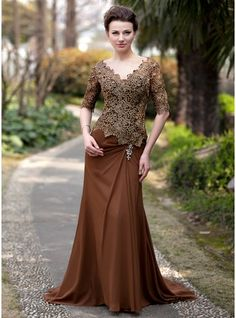 Trumpet/Mermaid V-neck Sweep Train Chiffon Lace Mother of the Bride Dress With Ruffle Beading (008018727)