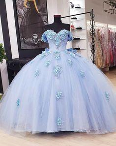 Cute Prom Dresses, Sweet 16 Dresses, Ball Dresses, Pretty Dresses, Beautiful Dresses, Dress Prom, Light Blue Quinceanera Dresses, Mexican Quinceanera Dresses, Quince Dresses Mexican