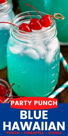Blue Hawaiian Party Punch is everyone's favorite cocktail! This easy drink has 3 ingredients - Vodka Pineapple and Hawaiian Punch - and it's the perfect drink to serve for the of July! Cocktails Vodka, Party Drinks Alcohol, Cocktail Drinks, Cocktail Recipes, Alcoholic Punch Recipes, Easy Punch Recipes, Alcoholic Drinks, Blue Alcoholic Punch, Drink Recipes