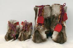 Skaller - varmt og godt for føttene - fra Miennas Ull Lappland, People Of The World, Christmas Wishes, Handicraft, Christmas Stockings, Scandinavian, Fairy Tales, Kids Outfits, Traditional