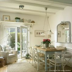 Cottage decor: Kitchen diner | via Ashley Morrison / ampimage: