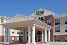 Holiday Inn Express Buffalo Buffalo (Wyoming) Offering an indoor pool, hot tub and fitness centre, this Wyoming hotel features guest rooms with free WiFi. Sheridan County Airport is 52 km away.