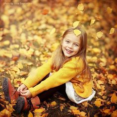 Photos of the genre Autumn Photography, Creative Photography, Children Photography, Family Photography, Photography Poses, Fall Family Pictures, Fall Photos, Photographing Kids, Cute Little Girls