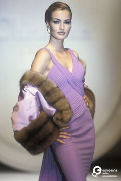 Image from object titled 'Christian Dior, Autumn-Winter Couture' 80s And 90s Fashion, Runway Fashion, Fashion Models, Fashion Show, Womens Fashion, Fashion Design, Style Année 90, 1990s Supermodels, Christian Dior Designer