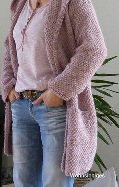 Hallooo.... Naaa, könnt ihr euch noch dran erinnern, dass ich mir eine Strickjacke stricken wollte??? Sie......ist......fertig.......  :-...