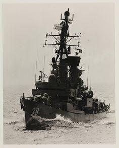Perth Naval History, Military History, Uss Houston, Australian Defence Force, Royal Australian Navy, Floating In Water, Armada, War Machine, Battleship