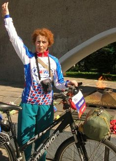 At this moment, 71 year-old Yulia Mikhailyuk is riding a bicycle from Tver to Geneva. A former school teacher, she first sat on a bike after retiring. And since then, she has ridden more than 100 thousand kilometers, i.e., she has circled the globe 2.5 times.