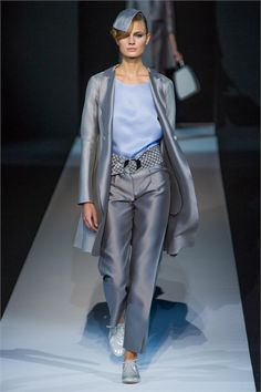 #moda Photos and comments to learn about the collection, the outfits and accessories for Giorgio Armani Spring Summer 2013