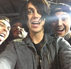 Kellin, Vic, Tony and Nick OMG my favorite four guys!