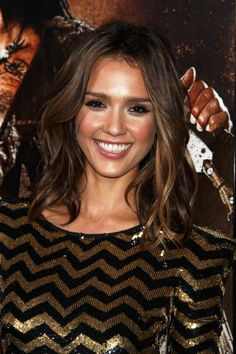 #hair - mid length, thinking I want this... dream-hair