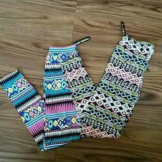 Bundle of Leggings Tribal, size: one size. Pants Leggings