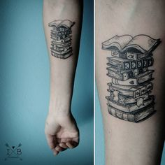 Welcome to our board for tattoos inspiration! 10 Great Book of Tattoo Designs that You Can Buy Right Now The most important thing you can ever learn when l Tattoo Buch, Et Tattoo, Piercing Tattoo, Bookish Tattoos, Literary Tattoos, Future Tattoos, Tattoos For Guys, Tattoos For Women, Body Art Tattoos