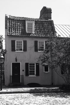 Old crooked house