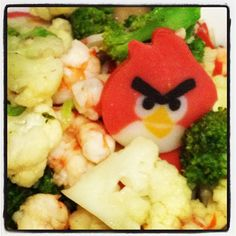 Uh-oh.. Look who made their way to our stir-fry veggies..? - @justbeingarlyn- #webstagram