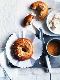 Salty-sweet bagels with ricotta and caramel sauce.