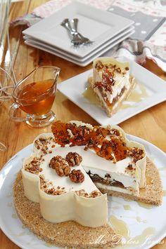 Tarta mousse de yogur griego con miel y nueces caramelizadas - Mis Dulces Joyas