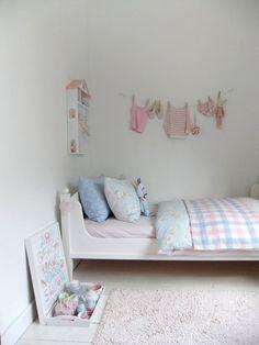 5182036429 3b8b9953bd o Cameretta romantica in bianco, rosa e azzurro