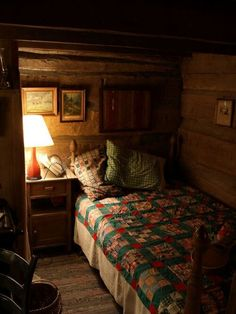12 Exciting Cozy Cabin Interior Ideas for Winter - Stay Hoomble bedroom Cozy Cabin, Cozy House, Cozy Nook, Bed Nook, Winter Cabin, Cozy Cottage, Cabin Homes, Log Homes, Little Cabin