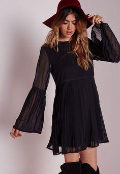 Missguided - Long Sleeve Pleated Swing Dress Black
