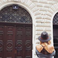 Jelena Karakas // Vienna // Hat // Lacy bra
