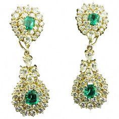 1stdibs Diamond, Emerald 18K Gold Columbian Drop Set 18 Karat #SilverDropEarrings Citrine Earrings, Diamond Drop Earrings, Emerald Earrings, Emerald Jewelry, Silver Drop Earrings, Columbian Emeralds, Beautiful Earrings, Earring Set, Diamond Cuts