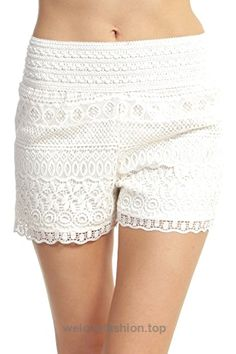 ToBeInStyle Women's Cross-Over Lace Shorts - Off-White - These stretch shorts are perfect when you are looking for a comfortable and stylish piece to wear out. Crochet Shorts, Lace Shorts, White Shorts, Style Challenge, Stretch Shorts, Casual Tops, New Outfits, White Lace, Ideias Fashion
