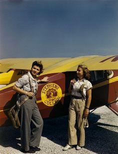 Student pilots, 1946 found photo women sportswear flight school pants trousers khaki chinos bourse shoes hair casual day wear mid 40s post War Era color