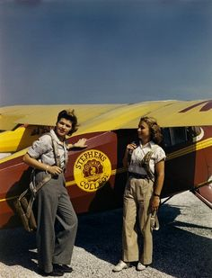 Student pilots, 1946 found photo women sportswear flight school pants trousers khaki chinos bourse shoes hair casual day wear mid 40s post War Era color