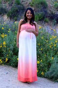 Cute and affordable maternity clothes for baby showers, special occasions, and maternity photos. Maven Coral Ombre Maxi Dress from Heritwine Maternity. Also comes in mint. Affordable Maternity Clothes, Maternity Boutique, Ombre Maxi Dress, Maternity Fashion, Spring Maternity, Pregnancy Fashion, Maternity Outfits, Baby Shower Dresses, Pregnancy Photos