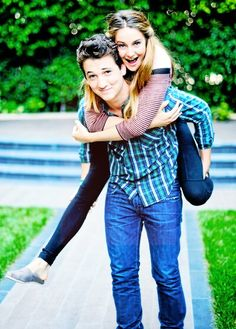 Shailene Woodley & Miles Teller #TheSpectacularNow  I REALLY liked this movie
