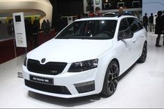 2016 Skoda Octavia RS 230 Combi - 2015 Geneva Motor Show // Aside from revealing the new Superb flagship sedan at the Geneva Motor Show this year, Škoda also. Seat Belt Pads, Wagon Cars, Hid Headlights, Geneva Motor Show, Car Photos, Hot Cars, Motorcycles, Backgrounds, Style