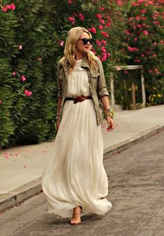now thats how to wear a maxi dress
