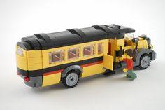 Lego Oldtimer Bus by szász Lego Bus, Lego Camper, Lego Wheels, Lego Furniture, Lego Boards, Lego Movie 2, Lego Design, Lego Building, Legoland