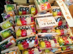 Sushi candy :This cute Amezaiku (飴細工, traditional Japanese candy crafts) last for a long time so I recommend it as a souvenir.