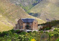Mooi in McGregor, by Boesmanskloof Eagle's Nest. Holiday Places, Holiday Destinations, Eagle Nest, Hiking Photography, Off Road Adventure, Family Road Trips, Old Farm, Modern Buildings, Africa Travel