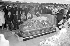 Funeral For Jayne. Charles Montgomery conducts funeral services for actress Jayne Mansfield at graveside here July Seated are: Mickey Harigtay, Miss Mansfield's second husband; the actress'. Get premium, high resolution news photos at Getty Images In Hollywood, Classic Hollywood, Charles Montgomery, Janes Mansfield, Famous Graves, Cemetery Art, Cinema, Before Us, Funeral