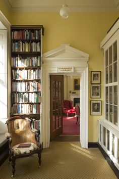 Have you seen inside The Bromley House Library? The grade II listed building is hidden on Angel Row in Nottingham and has been inviting members since 1816.