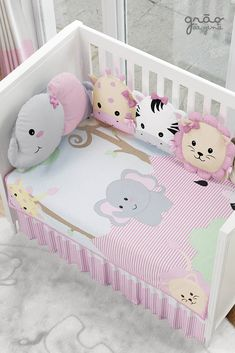 Do It Yourself baby room and baby area decorating! Principles for you to develop a little paradise on earth for your little bundle. Lots of baby room decor concepts! Baby Girl Crib Bedding, Crib Bedding Sets, Quilt Baby, Baby Room Design, Baby Room Decor, Nursery Decor, Girl Room, Girls Bedroom, Do It Yourself Baby