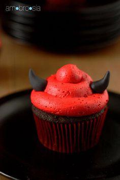 DIY Cupcake Recipes : Devilish Devil's Food Cupcakes