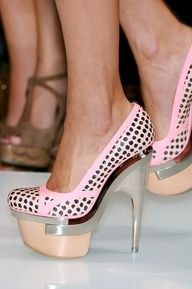 Pink platform stilettos. Right outfit. Right bag. You're smokin' hot!