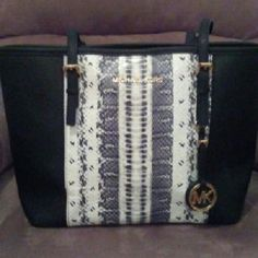 My new baby ?????? (KEEPING THIS ONE) This is so amazing in person! Thanks so much to my new PFF!! I absolutely love this purse!!! Michael Kors Bags Totes