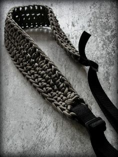 550 Paracord Rifle Sling or Camera Strap.from by SurvivorGeek Man Gifts, Love Gifts, Paracord Camera Strap, Rifle Sling, Paracord Projects, 550 Paracord, Hemp, Photography Tips, Knots