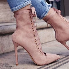 Stiletto Shoes High Heel Ankle Booties Sandals Hollow Out Lace Up Size Chart: Size:34 EU-- 22cm (Foot Length)-- 4.5 US Women 35 EU-- 22.5cm (Foot Length)-- 6US Women 36 EU-- 23cm (Foot Length)-- 6.5US Women 37 EU-- 23.5cm (Foot Length)-- 7 US Women 38 EU-- 24cm (Foot Length)-- 7.5US Women 39 EU-- 24.5cm (Foot Length)-- 8.5 US Women 40 EU-- 25cm (Foot Length)-- 9 US Women 41 EU-- 25.5cm (Foot Length)-- 9.5US Women 42 EU-- 26cm (Foot Length)-- 10 US Women 43 EU-- 26.5cm (Foot Length)-- 10.5 US…
