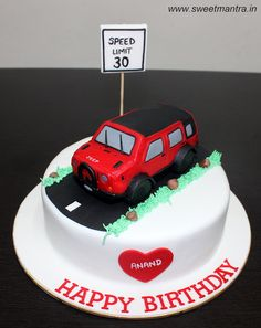 Mercedes SUV GLS car theme cake Car Cakes Pinterest Mercedes